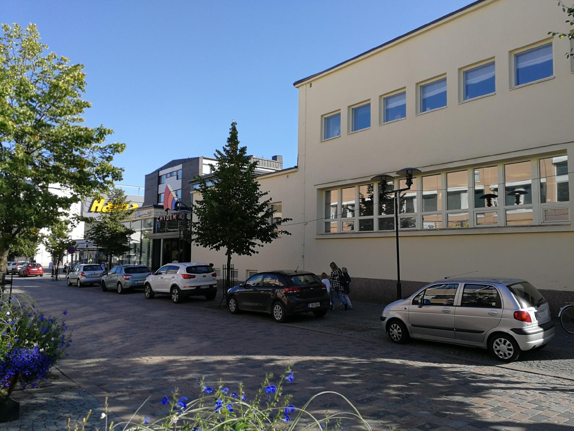 Rantakatu 2-4 KOKKOLA, 335m2, Katutaso, Liiketila