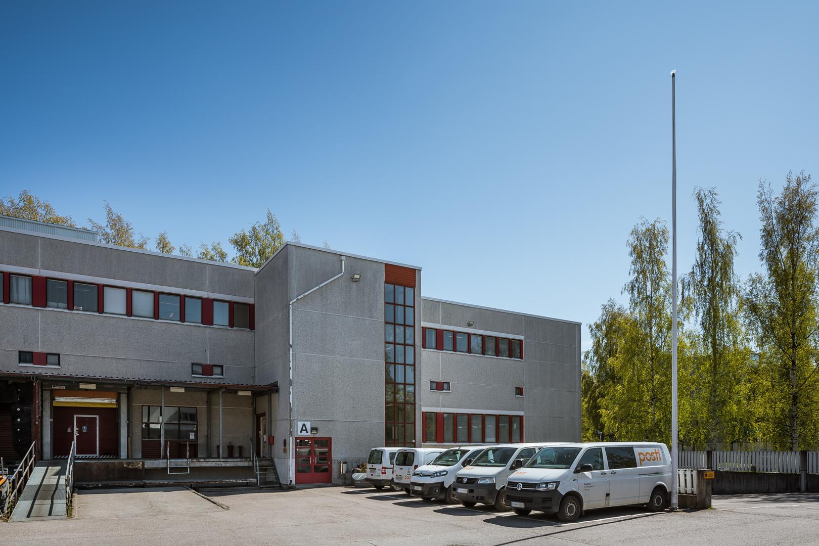 Sirrikuja 1 B, 1267m2, Katutaso, Liiketila